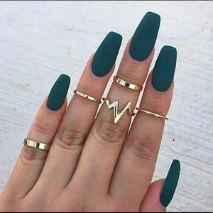 Jewelry - Gold simple EKG Knuckle stackable midi ring set